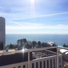 Вид из окон на бескрайнее море